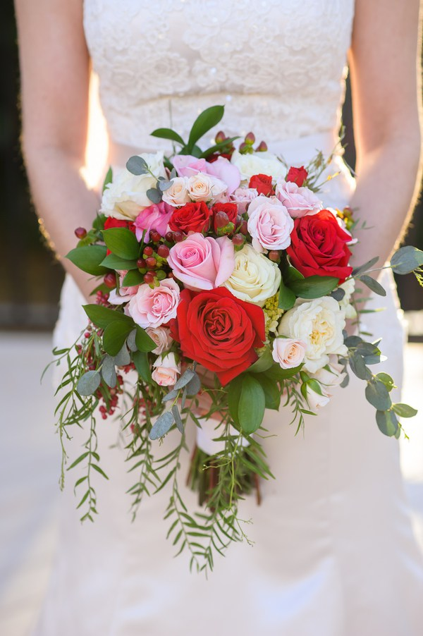 Vintage-Rustic-Wedding-bride-bouquet